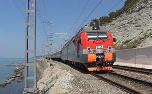 Новость о возможном переносе железной дороги с берега Сочи в горы сегодня одна из обсуждаемых в стране. В поддержку этой идеи высказался губернатор Кубани Вениамин Кондратьев.