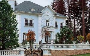 Нынешний  рынок загородной элитной недвижимости предоставляет большой ассортимент  на любой вкус квартир и домов в Подмосковье. Наша компания   предлагает вам приобрести жилье в лучших элитных   дачных  поселках Подмосковья.
