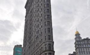 По данным The New York Post ширина трехэтажного здания составляет всего 2,54 метра. Дом, который был построен в 1873 году, находится на Манхэттене, на Бедфорд-стрит.