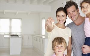 Государство готово помочь семьям с детьми в покупке жилья в ипотеку, взяв на себя уплату части процентов.