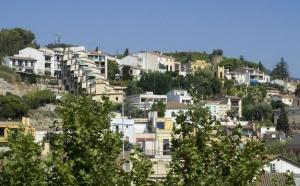 Компания, которая занимается оценкой роста и падения цен на недвижимость Тинса сообщила, что за прошлый месяц цены на жилье в Испании упали на 10%.
