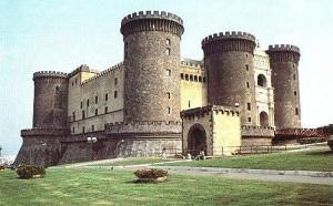 Кризис в Италии продолжает принимать совсем неприличные масштабы. Уже сообщалось, что одна из немногих областей, где итальянцы смогли извлечь прибыль за 2013 год – это туризм.
