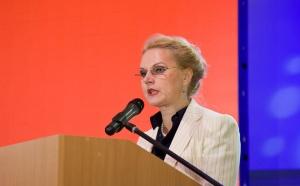 Порядок использования материнского капитала в целях улучшения жилищных условий должен быть усовершенствован, заявила председатель Счетной палаты РФ Татьяна Голикова на заседании Госдумы.