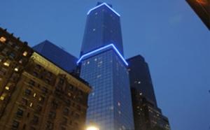 68-этажное здание стало обладателем звания «Самый высокий отель в США». Небоскреб располагается рядом с Таймс-сквером и Центральным парком. Внутри сумели обосноваться сразу же две гостиницы: Courtyard и Residence. В них 378 и 261 номеров соответственно. Возведением башни занималась организация G Holdings. Проект был оценен в 320 миллиардов долларов.