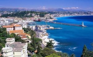 Купить квартиру в Испании, наверное, хотел бы каждый. Ведь это дает возможность жить в красивой солнечной и теплой стране.