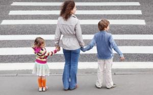 Ключевая проблема, с которой сталкиваются пары, желающие завести детей, - это отсутствие жилья, считают депутаты.