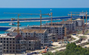 В преддверии ХХII зимних Олимпийских игр и XI зимних Паролимпийских игр 2014 года в Сочи идет строительство новых гостиничных комплексов.