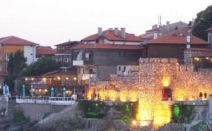 За последние несколько лет интерес и спрос на недвижимость в Болгарии значительно вырос. Теперь это государство может встать на один уровень по курортной популярности с такими странами, как Турция, Испания, Таиланд. Большинство покупателей недвижимости в Болгарии сегодня – это русские и наши соотечественники.