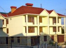 Дом 768 м² на участке 12 сот.