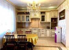 Дом 451 м² на участке 6 сот.