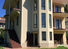 Дом 340 м² на участке 10 сот.