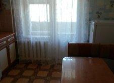 2-к квартира, 48 м², 1/9 эт.