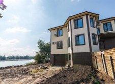 Дом 331 м² на участке 8 сот.