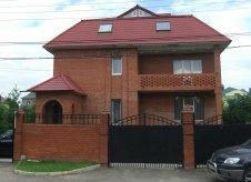 Дом 555 м² на участке 14 сот.