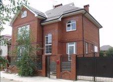 Дом 421 м² на участке 8.2 сот.