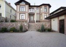 Дом 380 м² на участке 9 сот.