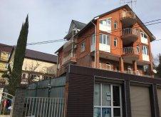 Дом 800 м² на участке 8 сот.