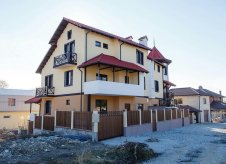 Дом 100 м² на участке 1 сот.