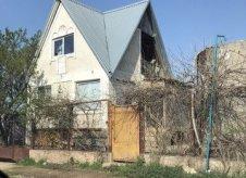 Дом 95 м² на участке 4 сот.