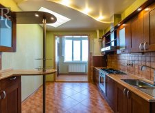 4-к квартира, 147 м², 4/9 эт.