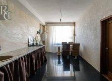 2-к квартира, 85 м², 7/10 эт.