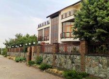 Дом 450 м² на участке 10 сот.