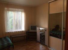 Комната 90 м² в -к, 1/2 эт.