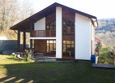 Дом 198 м² на участке 6 сот.