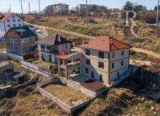 Дом 350 м² на участке 5 сот.