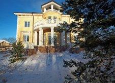 Дом 800 м² на участке 45 сот.