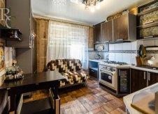 1-к квартира, 49 м², 1/10 эт.