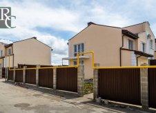 Дом 210 м² на участке 4 сот.