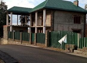 Дом 197 м² на участке 8.50 соток