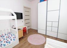 2-к квартира, 65 м², 1/13 эт.