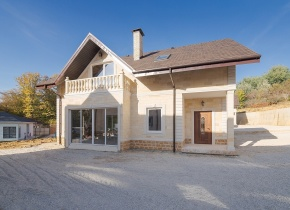 Дом 330.00 м² на участке 6.00 соток