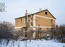 Дом 184 м² на участке 6 сот.