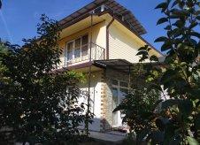 Дом 165 м² на участке 4 сот.
