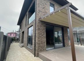 Дом 210 м² на участке 3 сот.
