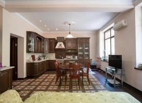 Недвижимость 400.00 м²